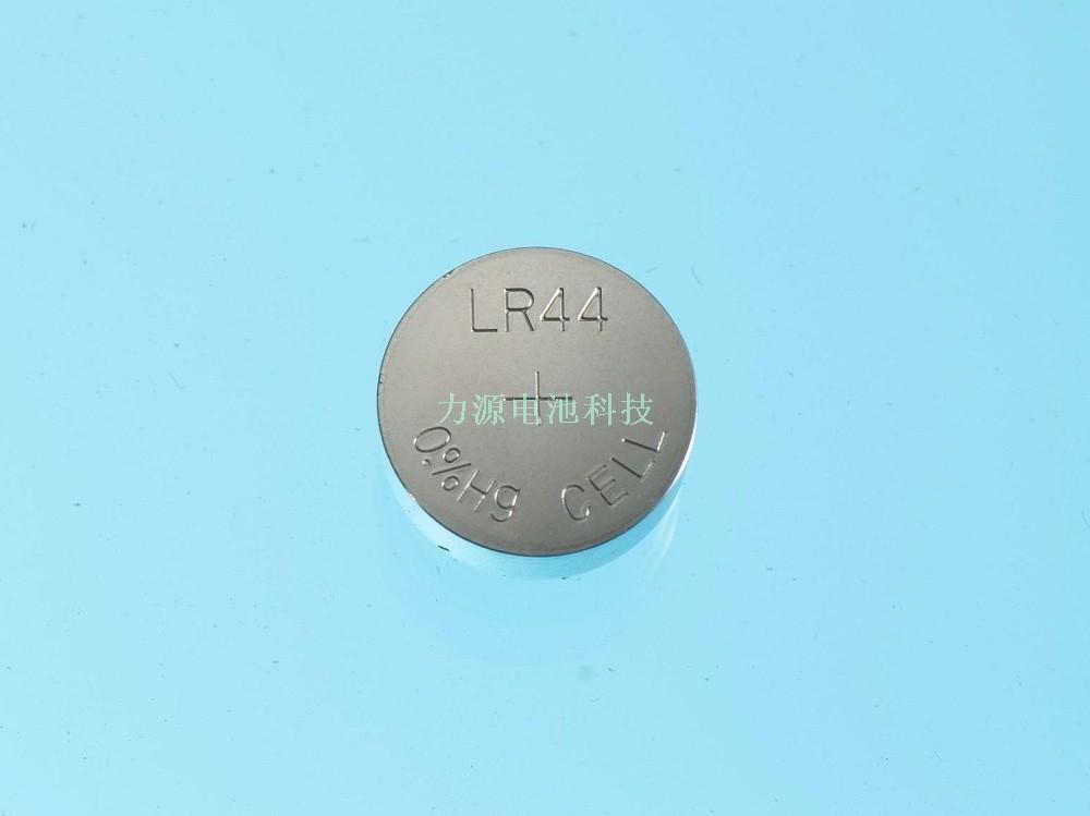 AG13/LR44纽扣电池